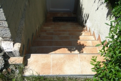 gefliester Treppenabgang
