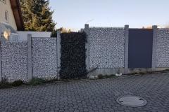 Gabionenelemente mit Granitpfosten