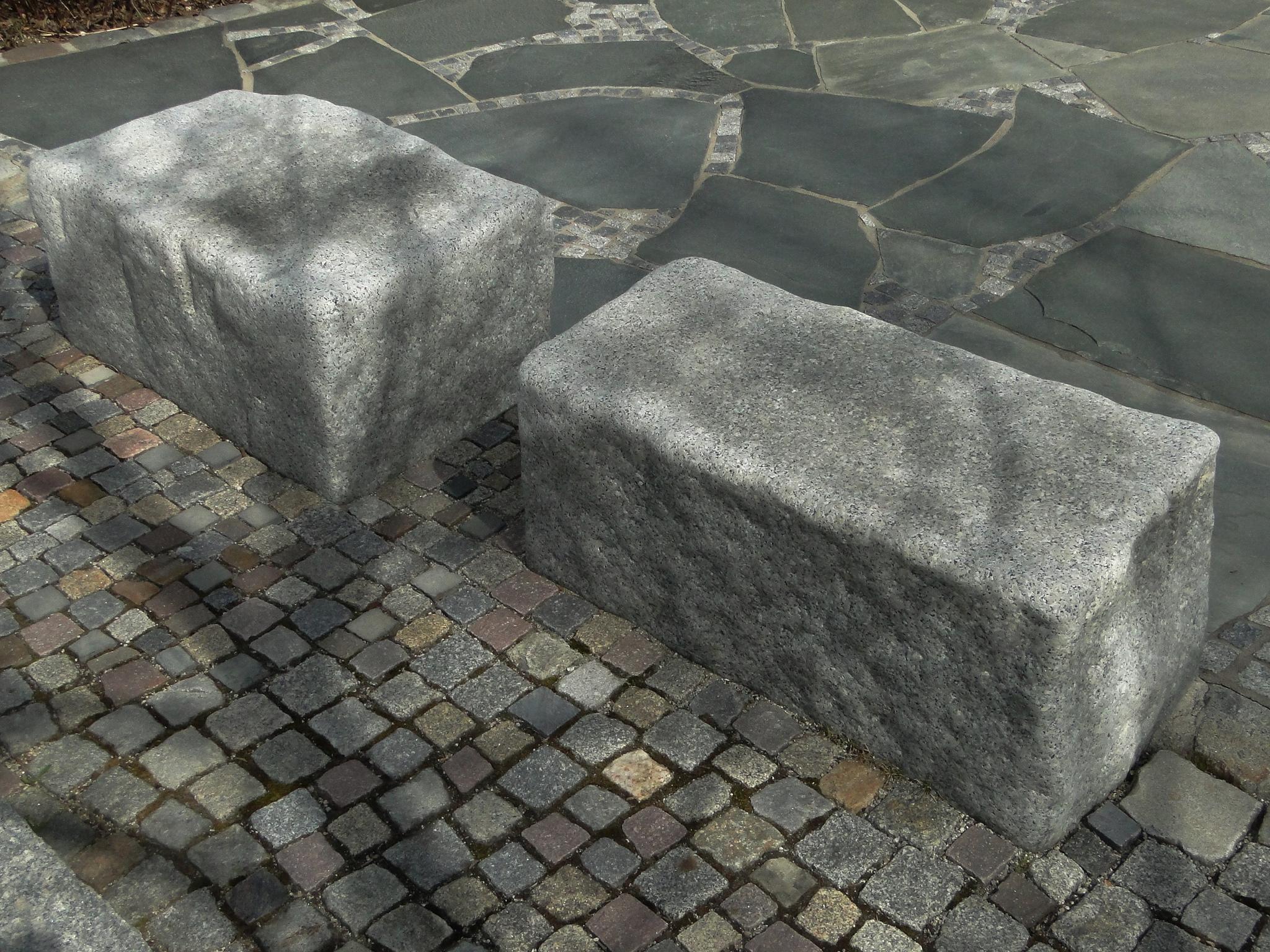 Sitzquader Granit