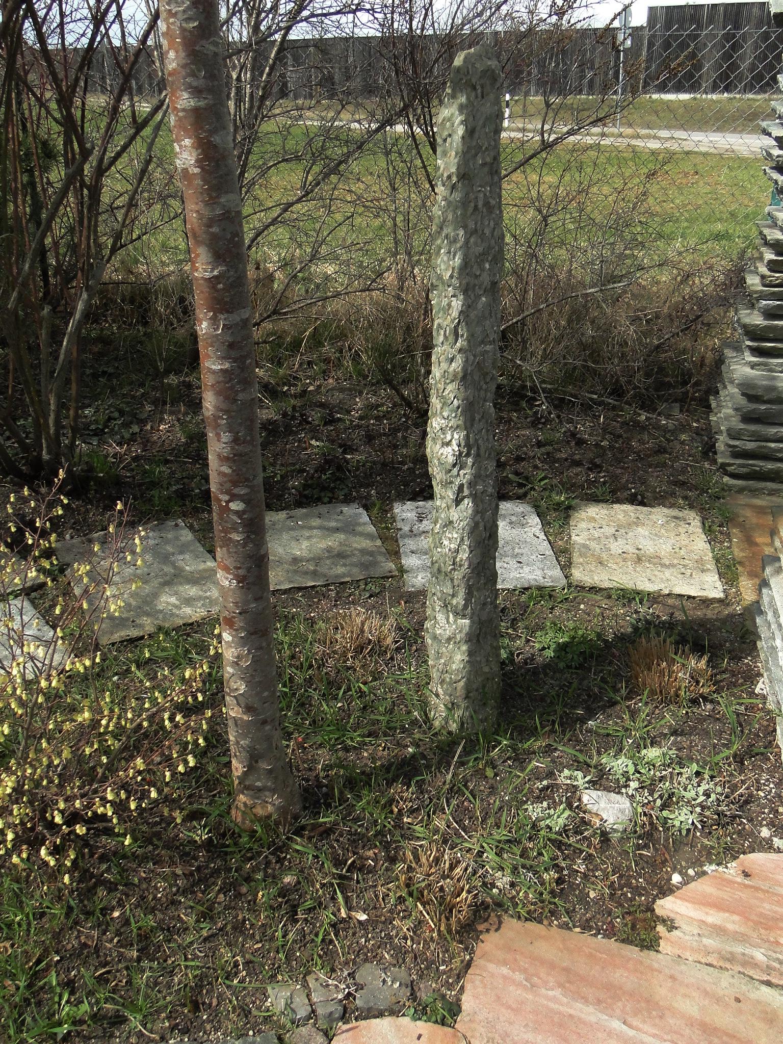 Stele aus NAturstein